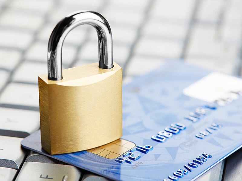 Банкам запретят блокировать счета без объяснений