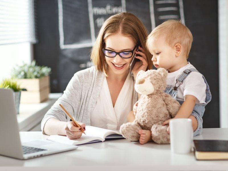 ПФР имеет право не включить в стаж период ухода за ребенком: почему?